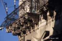 Uno dei balconi del Palazzo di Città.  - Acireale (3320 clic)