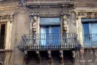 Pittoresco balcone,affacciato sulla Piazza del Duomo.  - Acireale (3489 clic)
