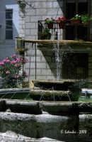 La fontana della piazzetta S. Michele. La fontana della piazzetta S. Michele.  - Petralia soprana (4334 clic)