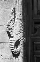 Chiesa di S. Giovanni Evangelista. Elemento decorativo del portale della chiesa di S. Giovanni Evangelista.  - Petralia soprana (4852 clic)