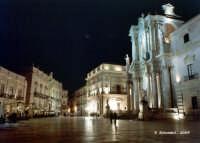 Piazza Duomo in notturna  - Siracusa (1296 clic)