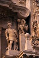Chiesa di S. Sebastiano, particolare del gruppo scultoreo dedicato al martirio.  - Ferla (1336 clic)