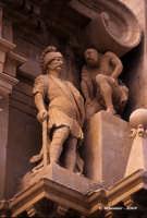 Chiesa di S. Sebastiano, particolare del gruppo scultoreo dedicato al martirio.  - Ferla (1215 clic)