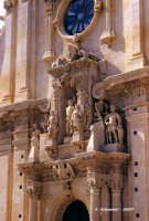 Chiesa di San Sebastiano - Gruppo scultoreo dedicato al martirio.  - Ferla (1455 clic)