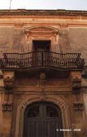 particolare architettonico  - Rosolini (5391 clic)