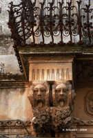particolare architettonico  - Rosolini (5397 clic)