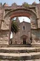 La porta Durazzesca e, sullo sfondo, la chiesa della SS Trinità.  - Forza d'agrò (7375 clic)