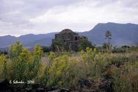 La Cuba bizantina, ora Chiesa di Santa Domenica.  - Castiglione di sicilia (4015 clic)