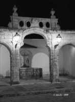 Il loggiato Sinatra, piazza di S. Maria Maggiore.  - Ispica (4267 clic)