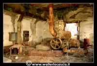 Caltanissetta: Miniera Trabonella. Reportage sulle miniere di zolfo di Caltanissetta.Vecchie attrezzature abbandonate.  - Caltanissetta (2353 clic)
