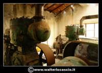 Caltanissetta: Reportage fotografico sulle miniere di Caltanissetta. Miniera Gessolungo. I vecchi macchinari in disuso, che servivano per l'estrazione dello zolfo.  - Caltanissetta (2972 clic)