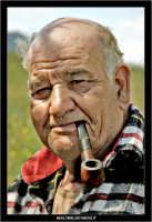 Agira. Don Orazio fuma la pipa (vers. colore)  - Agira (1373 clic)