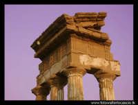 Tempio di Castore e Polluce: particolare del frontone.  - Agrigento (5182 clic)
