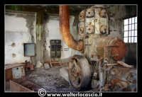 Caltanissetta: Miniera Trabonella. Reportage sulle miniere di zolfo di Caltanissetta.Vecchie attrezzature abbandonate.  - Caltanissetta (1880 clic)