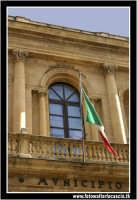 Caltanissetta: Municipio. Palazzo comunale. CALTANISSETTA Walter Lo Cascio