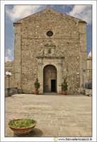 Nicosia: Chiesa di San Calogero, Secolo XVIII. Prospetto e piazzale antistante.   - Nicosia (2541 clic)