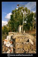 Caltanissetta: Reportage fotografico sulle miniere di Caltanissetta. Miniera Gessolungo. L'altare dedicato a Santa Barbara.  - Caltanissetta (2165 clic)