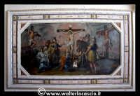 Troina: Oratorio del Rosario ( XVIII/XIX sec. ): Particolare di pittura raffigurante la      Crocifissione del Cristo. www.walterlocascio.it  - Troina (1503 clic)