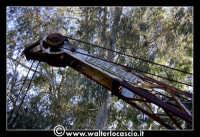 Caltanissetta: Miniera Trabonella. Reportage sulle miniere di zolfo di Caltanissetta.Vecchie attrezzature abbandonate.  - Caltanissetta (2773 clic)
