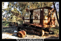 Caltanissetta: Miniera Trabonella. Reportage sulle miniere di zolfo di Caltanissetta.Vecchie attrezzature abbandonate.  - Caltanissetta (1799 clic)
