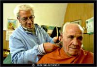 Leonforte. 19 Marzo 2006. Antica sala da Barbiere. Salone. Reportage sugli antichi mestieri. Il Barbiere. #4  - Leonforte (2299 clic)