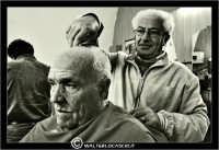 Leonforte. 19 Marzo 2006. Antica sala da Barbiere. Salone. Reportage sugli antichi mestieri. Il Barbiere. #5  - Leonforte (2576 clic)