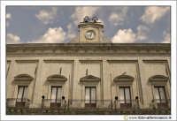 Nicosia: Particolare del Prospetto principale del Palazzo di Città, Municipio (Secolo XIX).  - Nicosia (2892 clic)