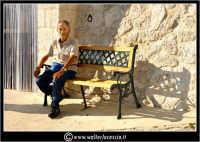 Sutera. Anziano signore in panchina  - Sutera (3197 clic)