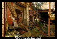Caltanissetta: Miniera Trabonella. Reportage sulle miniere di zolfo di Caltanissetta.Vecchie attrezzature abbandonate.  - Caltanissetta (1745 clic)