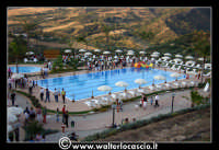 Gagliano Castelferrato: 01 Luglio 2007. Inaugurazione delle nuove Piscine NAIADI. Vista dall'alto del parco acquatico.  - Gagliano castelferrato (2219 clic)