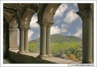 Nicosia: Portico della Chiesa del SS. Salvatore. La chiesa domina il paese dalla sua altura. Secolo XII XIII  - Nicosia (3319 clic)