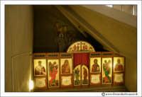 Siracusa: Una delle navate laterali della Chiesa.  - Siracusa (2018 clic)
