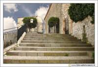 Nicosia: Scalinata d'ingresso alla Chiesa del SS. Salvatore. Secolo XII XIII.  - Nicosia (4499 clic)