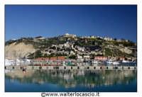 Licata : Porto di Licata.  Vista del paese, lato cimitero. Foto Walter Lo Cascio www.walterlocascio.it   - Licata (13628 clic)