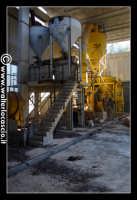 Caltanissetta: Miniera Trabonella. Reportage sulle miniere di zolfo di Caltanissetta.Vecchie attrezzature abbandonate. Zolfo  - Caltanissetta (2667 clic)