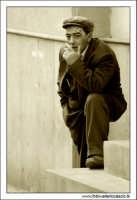 Agira. Riposo con sigaretta!  - Agira (2133 clic)