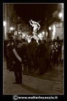Pietraperzia. Venerdi' Santo 21-03-2008. U Signuri di li fasci.  Foto Walter Lo Cascio www.walterlocascio.it   - Pietraperzia (1339 clic)