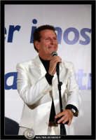 San Cataldo. Europark di Roccella. Il Cantante Nico dei Gabbiani durante una sua esibizione. #1  - San cataldo (3196 clic)