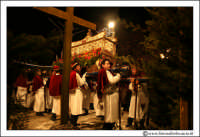 Agira: Venerdì Santo. La processione con la Sacra Urna, arriva al Calvario.  - Agira (3616 clic)
