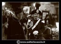 Pietraperzia. Venerdi' Santo 21-03-2008. U Signuri di li fasci. Il prete e il carabiniere.   - Pietraperzia (1666 clic)