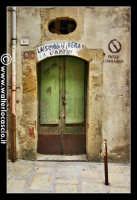 Troina: Angolo caratteristco del paese di Troina. Antica porta. Foto 79  - Troina (4309 clic)