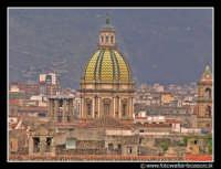 Palermo: Panorama del centro storico. Al centro la Cupola della chiesa di San Giuseppe dei Teatini.  - Palermo (9035 clic)