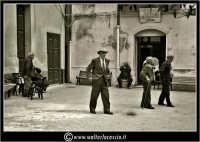 Licata: Societa' Casa del Pescatore(Vers. Bianco e Nero). www.walterlocascio.it Walter Lo Cascio  - Licata (7536 clic)