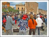 Taormina: Improvvisazione musicale. Musicisti da strada.  - Taormina (4737 clic)