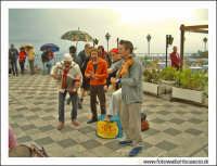 Taormina: Improvvisazione musicale #2. Musicisti da strada.  - Taormina (4781 clic)
