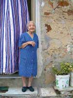 Vecchietta a Gagliano.  - Gagliano castelferrato (5572 clic)