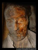 Le catacombe. Morto imbalsamato.  - Palermo (7810 clic)