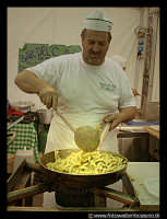 Bronte: Sagra del Pistacchio. PAsta al pistacchio.  - Bronte (5674 clic)