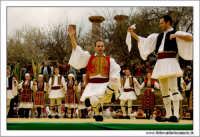 Agrigento. Festa del Mandorlo in fiore. Edizione 2006. Gruppi folkloristici si esibiscono durante la premiazione.   - Agrigento (1495 clic)