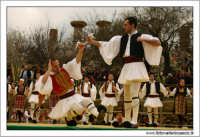 Agrigento. Festa del Mandorlo in fiore. Edizione 2006. Gruppi folkloristici si esibiscono durante la premiazione.   - Agrigento (1730 clic)